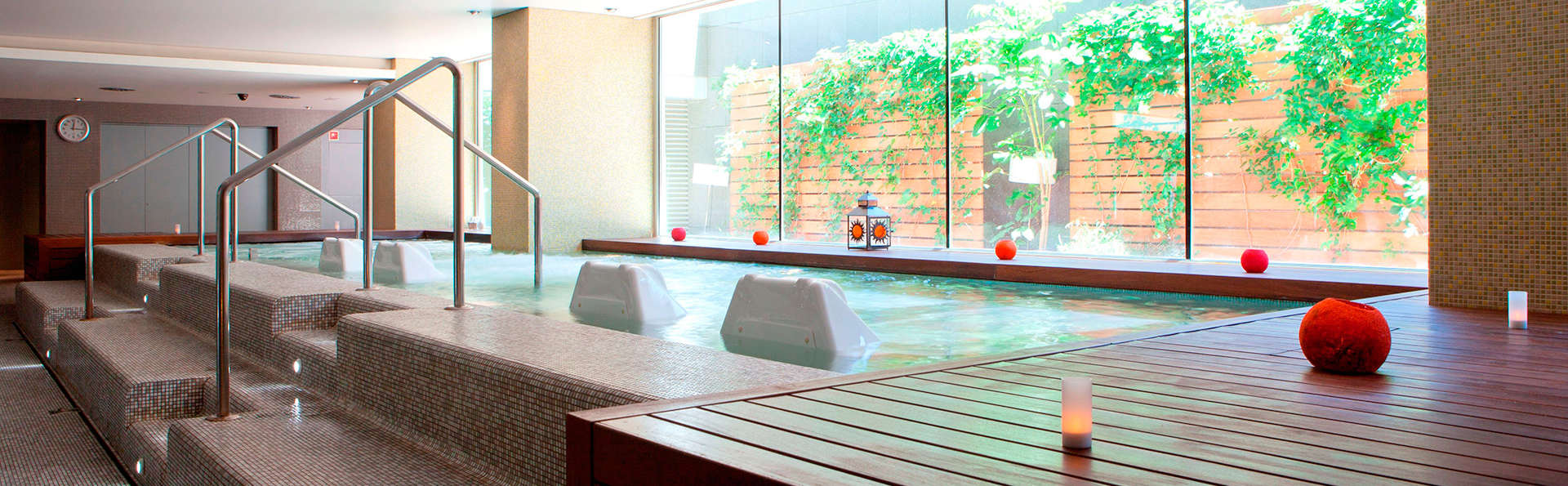 Romance et relax à Barcelone avec accès au spa, cava et parking inclus