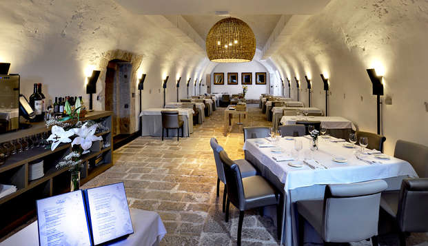 Escapada Romántica con Cena en una fortaleza cerca de Portugal