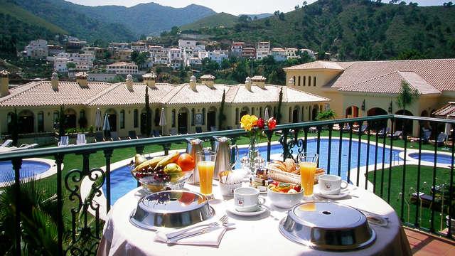 Opción Romántica: Escapada con Spa, cena y cava en hotel 4* en Benahavís