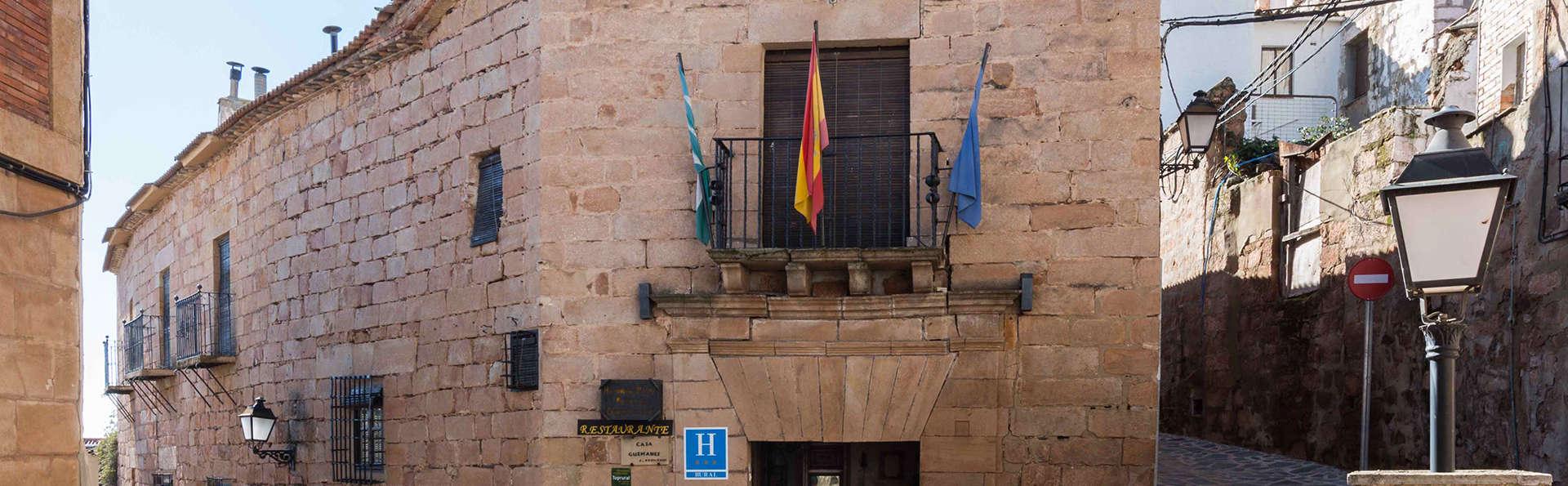 Hotel Palacio Guzmanes - edit_front.jpg