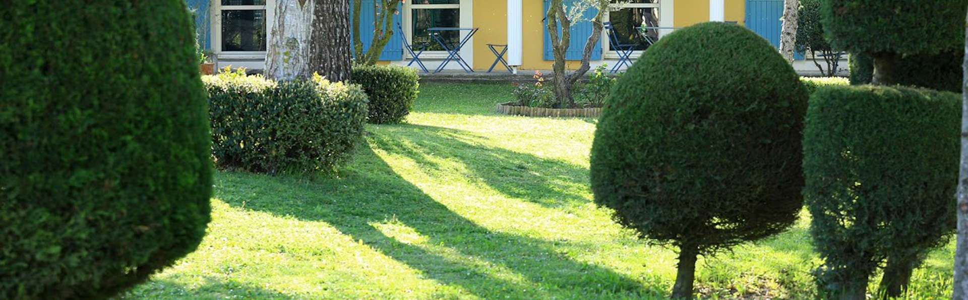 Le Domaine de la Petite Isle - Luberon - edit_garden5.jpg