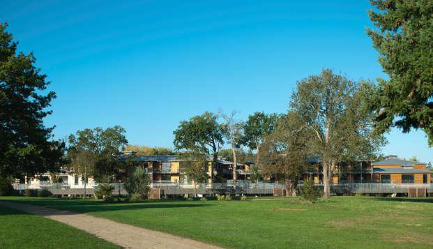 Golf Resort Spa Domaine Cice Blossac - facade