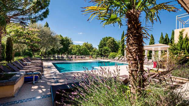 Partez à la découverte du Luberon dans un charmant hôtel 4*