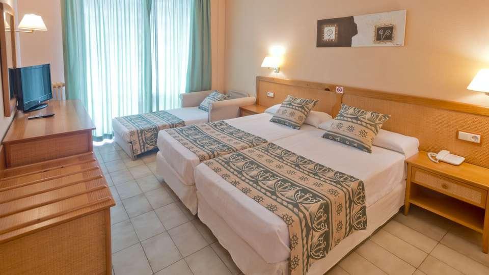 Hotel GHT Oasis Tossa & Spa - edit_room.jpg