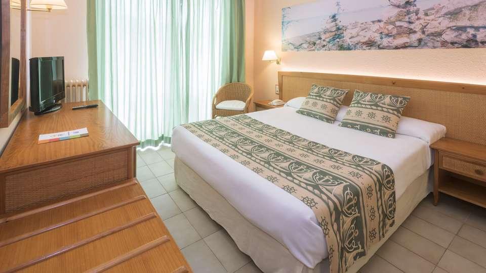 Hotel GHT Oasis Tossa & Spa - edit_room94.jpg