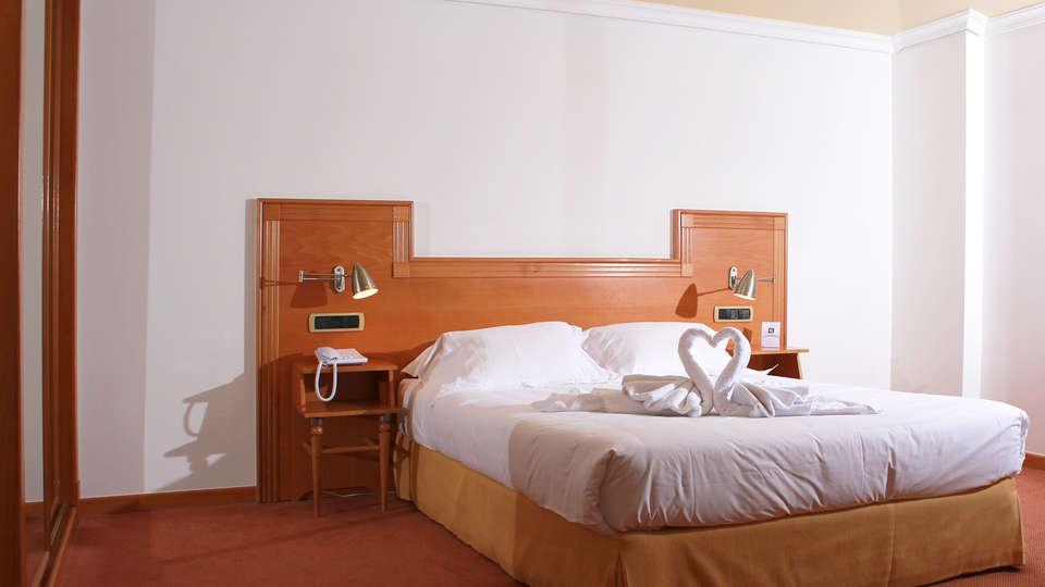 Hotel Alfonso I - edit_room5.jpg