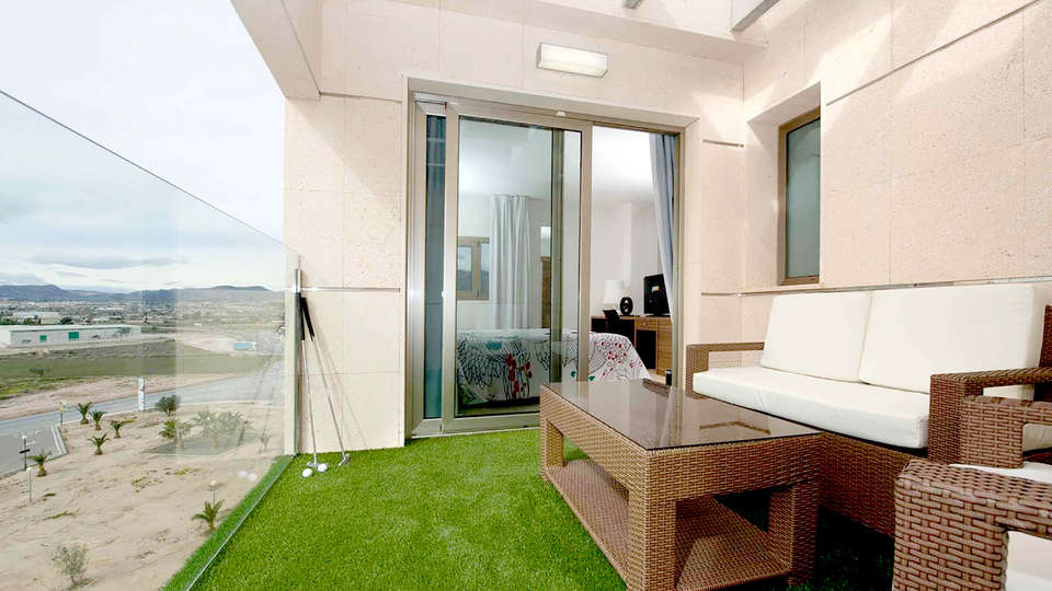 Hotel Spa Executive Sport - Edit_Terrace.jpg