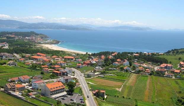 Escapada con detalles románticos, bombones y cava junto a las playas de Sanxenxo y O Grove