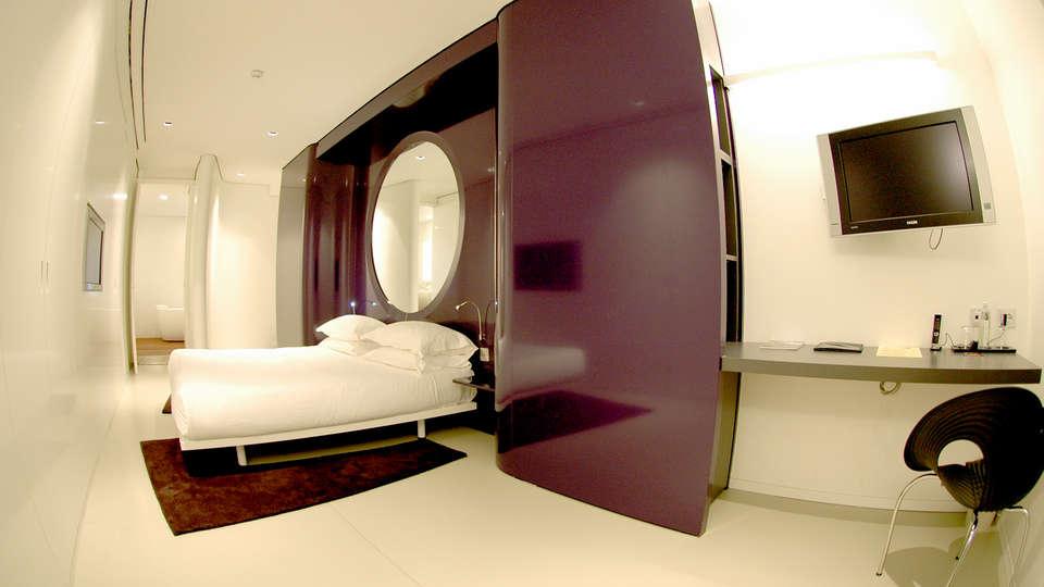 duoMo Hotel - Edit_room3.jpg
