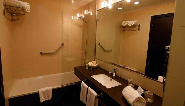 Hotel San Gil - bathroom