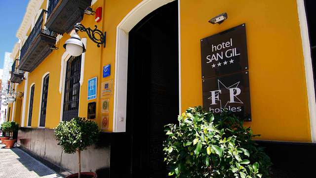 Hotel San Gil - front