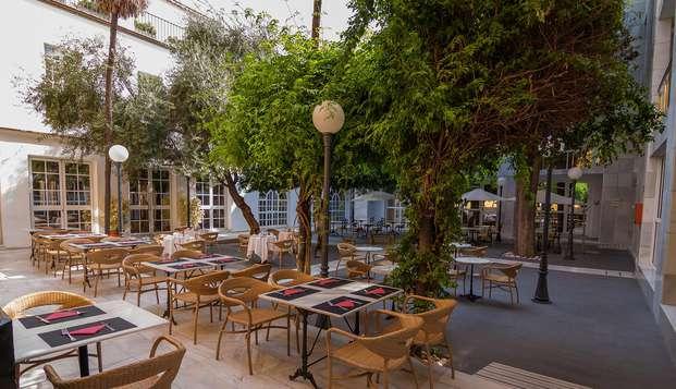 Hotel San Gil - patio