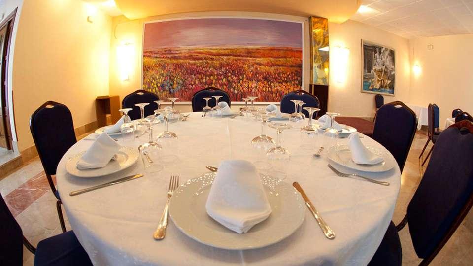Hotel Spa Río Ucero - edit_restaurant2.jpg