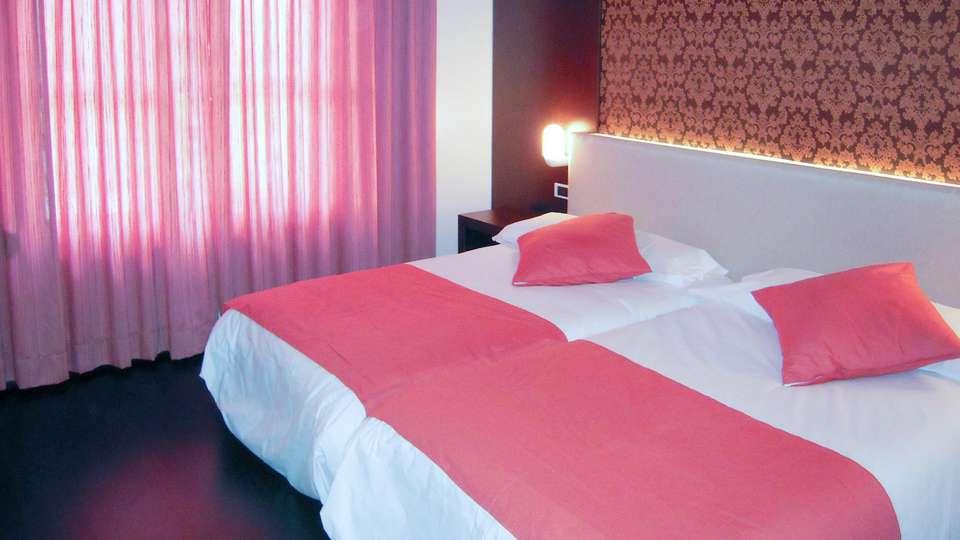 Hotel Spa Río Ucero - edit_room2.jpg