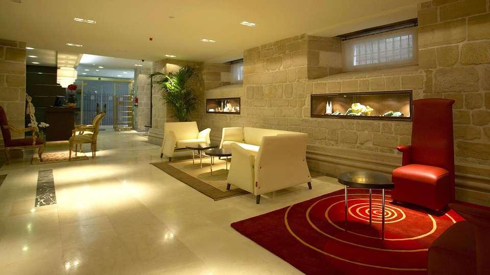 Hotel Rice Palacio de Los Blasones - edit_reception.jpg