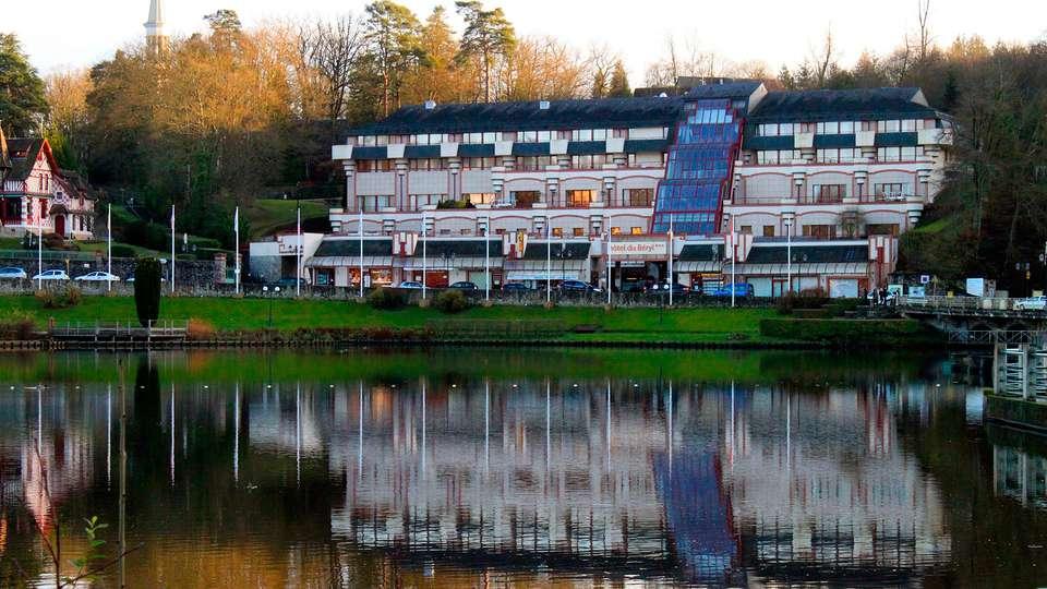 Hôtel et spa du Béryl - Bagnoles de l'Orne - edit_facade_hotel_lac.jpg