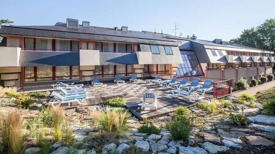 Hôtel et spa du Béryl - Bagnoles de l'Orne - edit_terrace.jpg