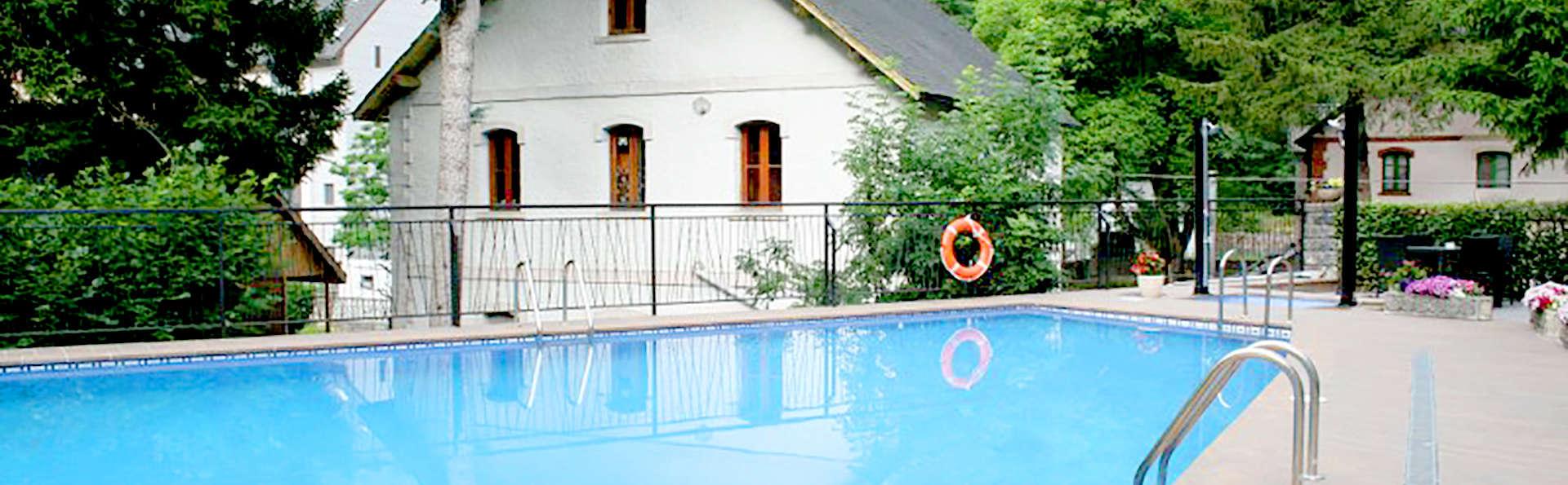 Hotel & SPA Real Villa Anayet - Edit_pool3.jpg