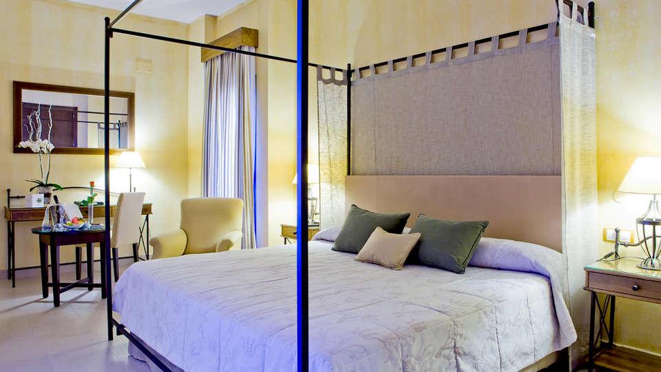 Hotel Intur Alcázar de San Juan - Edit_Room3.jpg