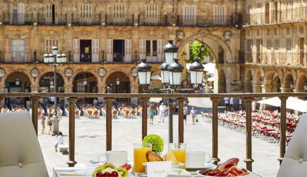 Escapada Romántica en la Plaza Mayor de Salamanca