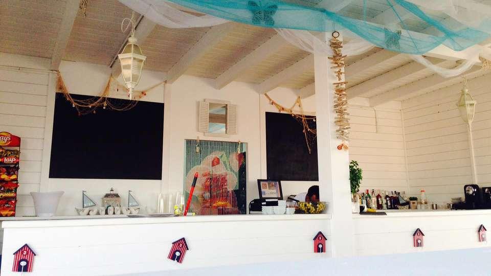 Hotel RH Bayren & spa - edit_beachbar1.jpg