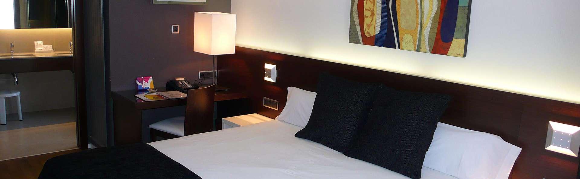 Escapada romántica en Junior Suite con acceso a jacuzzi y kit romántico en Andorra