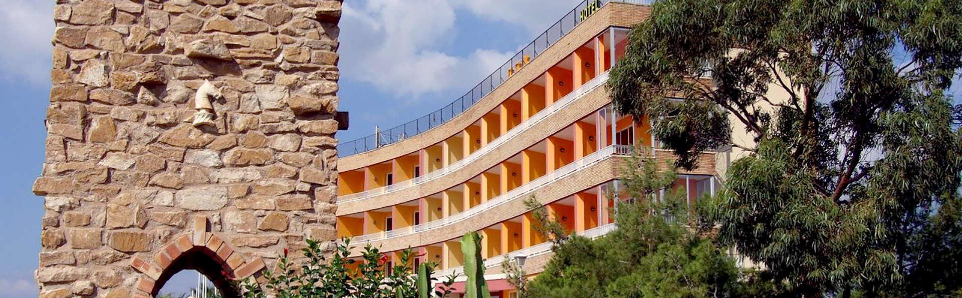 Escapada en Mazarrón en habitación con terraza y vistas al mar