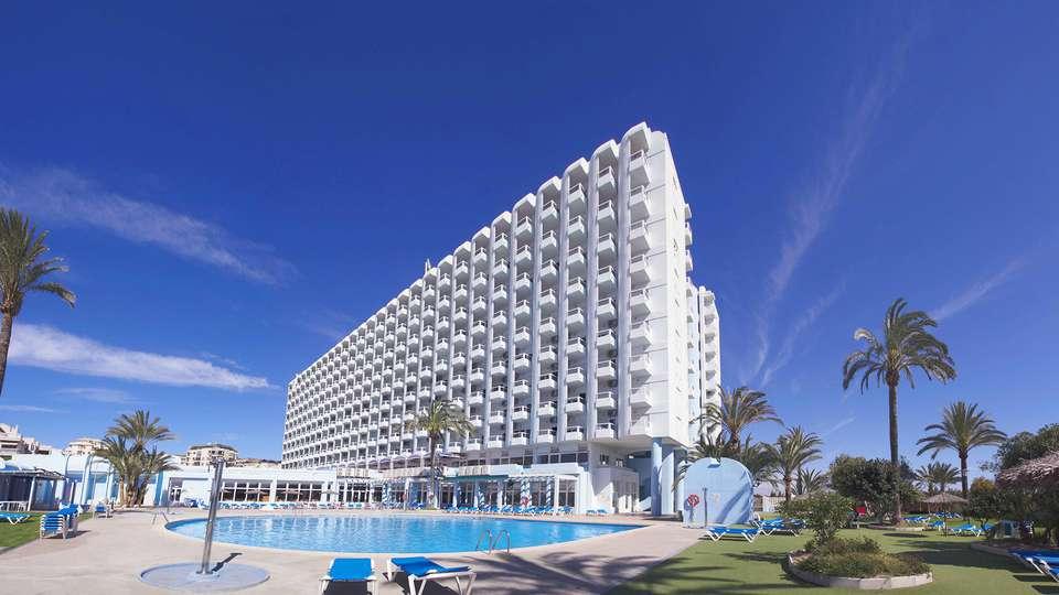 Hotel Playas de Guardamar - edit_pool_facade.jpg