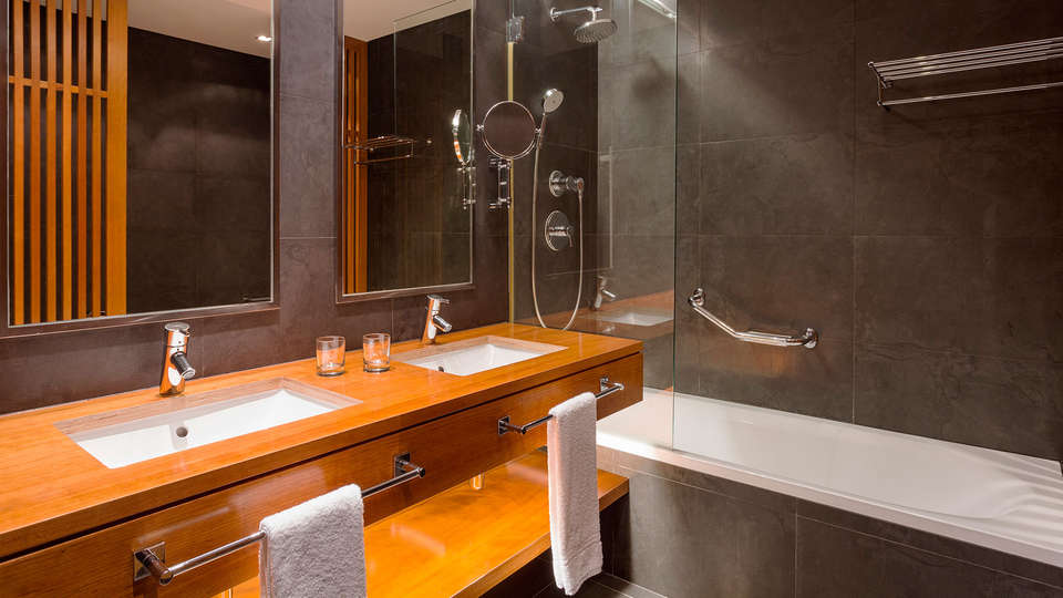 Sheraton Cascais Resort - edit_bathroom.jpg