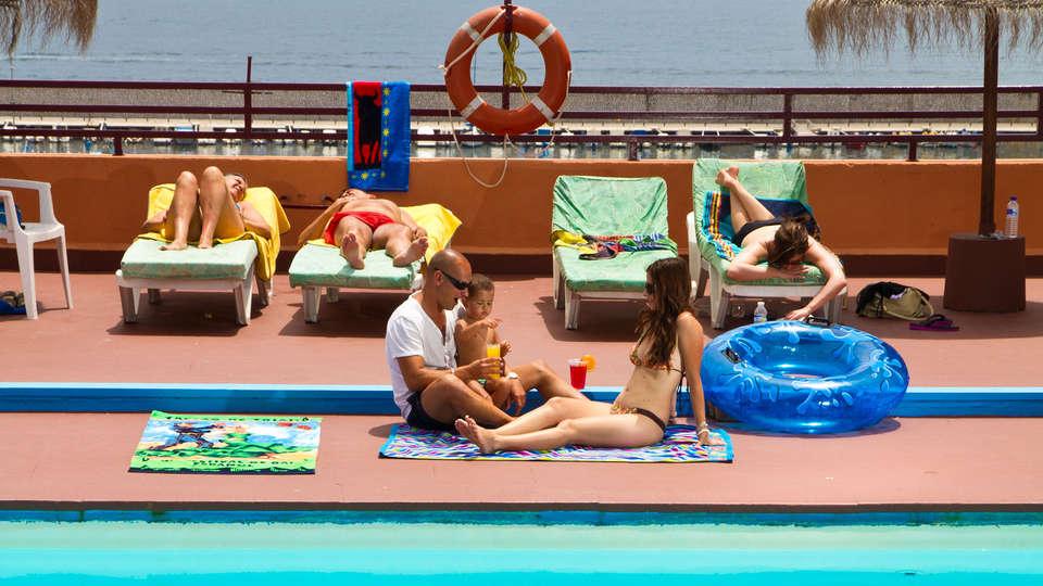Hotel Las Palmeras - edit_sea_pool.jpg