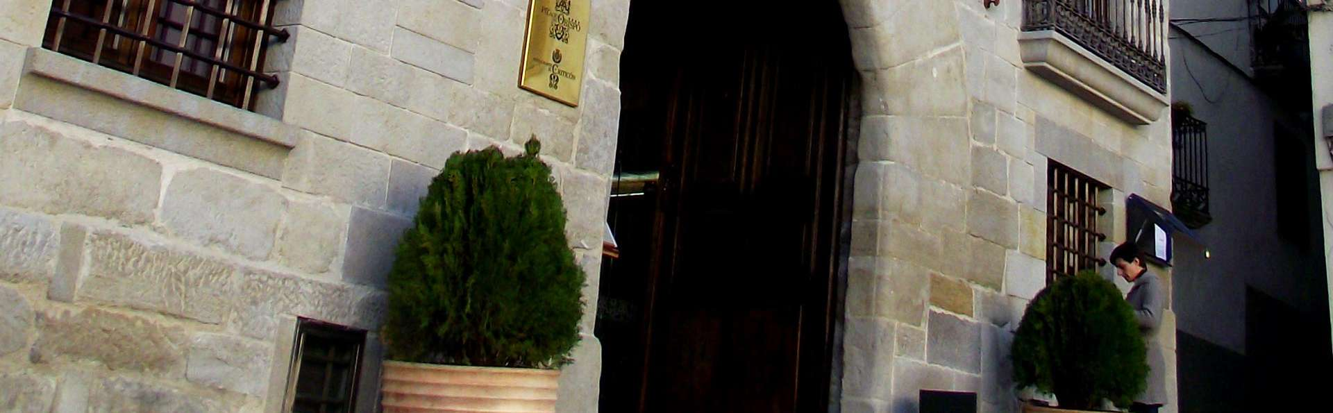 Hotel Palacio del Obispo - edit_entrance.jpg