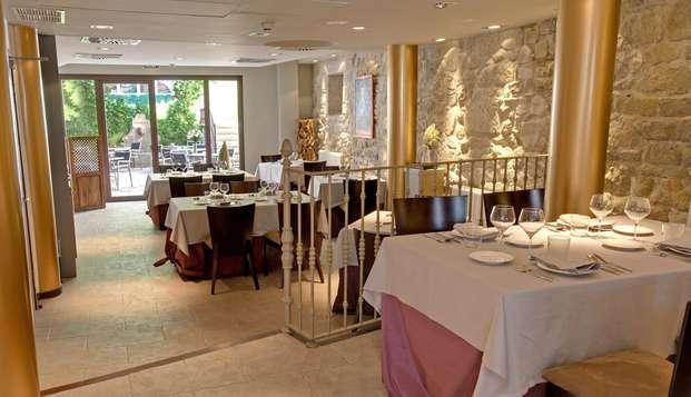 Cena de lujo y relax romántico en privado en un palacio del s.XVI