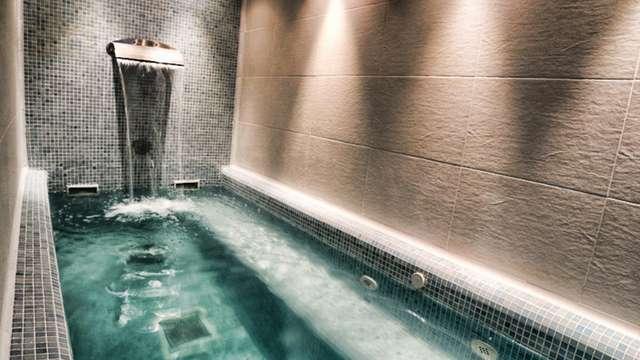 Relax con spa privado y visita a bodega en un palacio de la Ribagorza