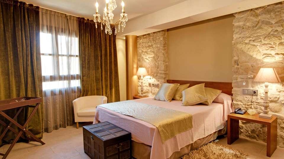 Hotel Palacio del Obispo - edit_room3.jpg
