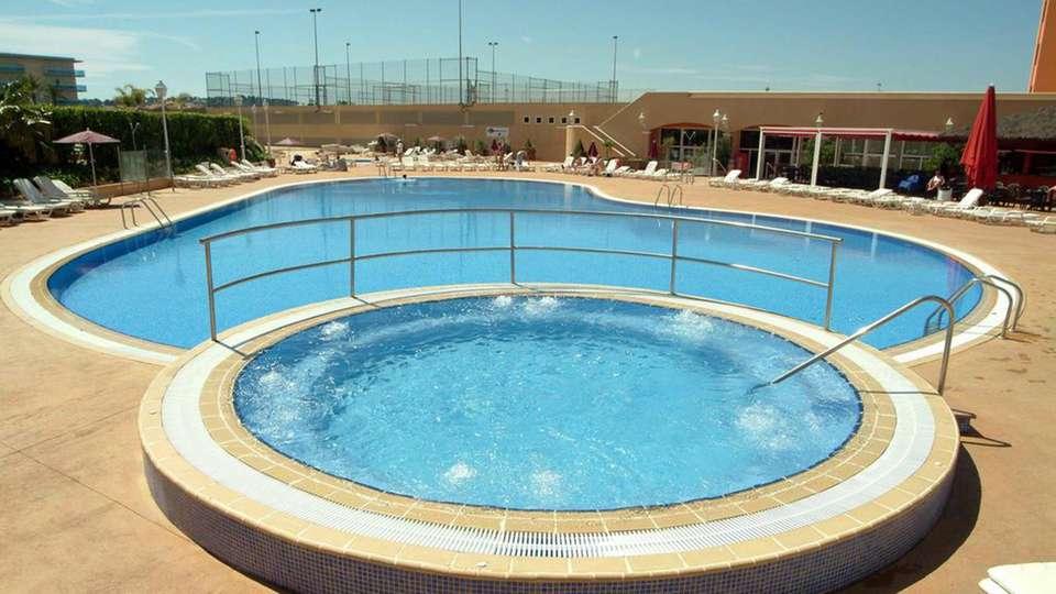 Gran hotel La Hacienda - edit_pool1.jpg