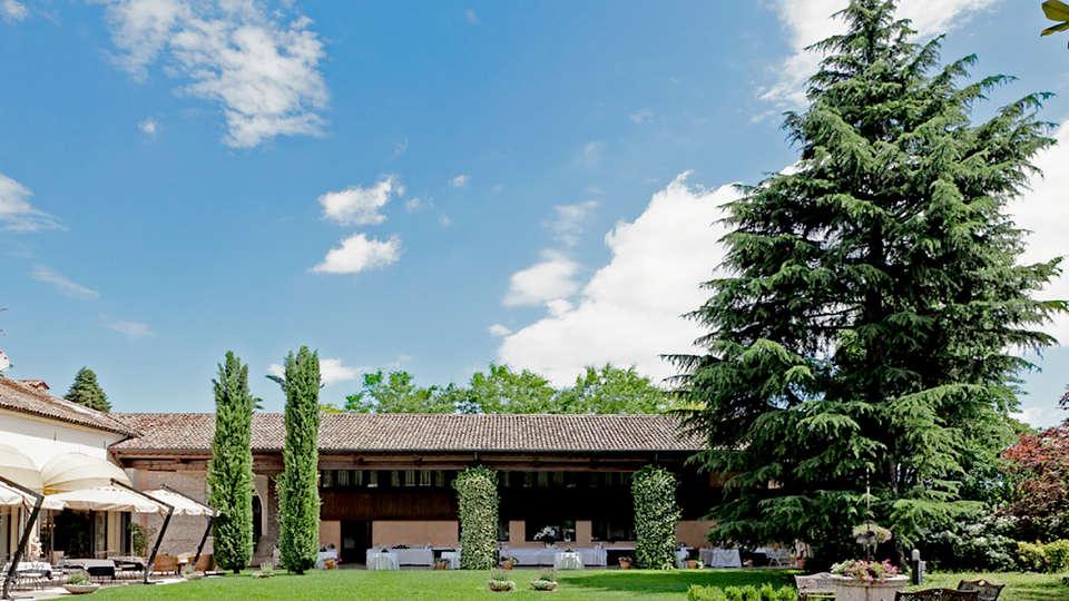 Hotel Villa Palma - Edit_front.jpg