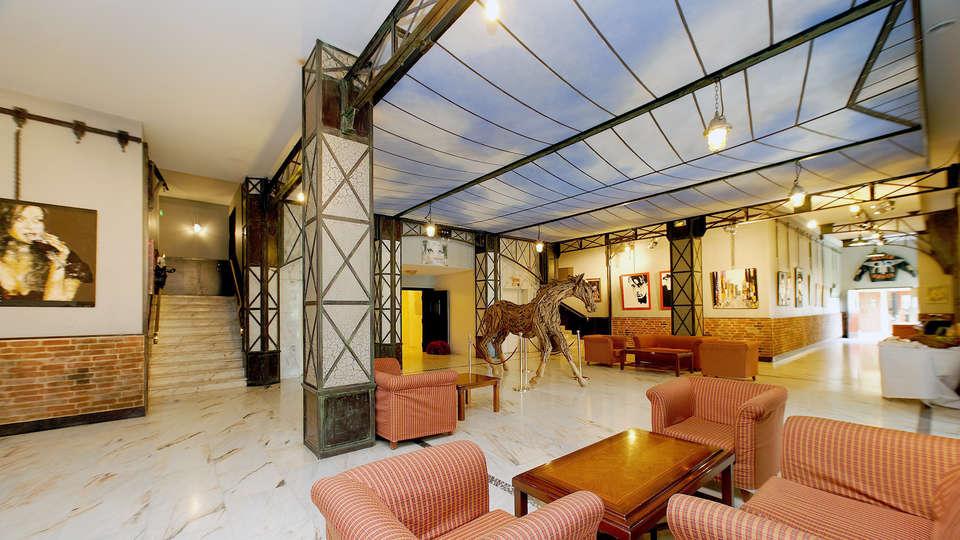 Le Grand Hôtel Le Touquet-Paris-Plage - Edit_Hall.jpg