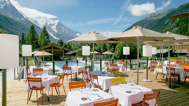 Spa et belle table face au Mont-Blanc