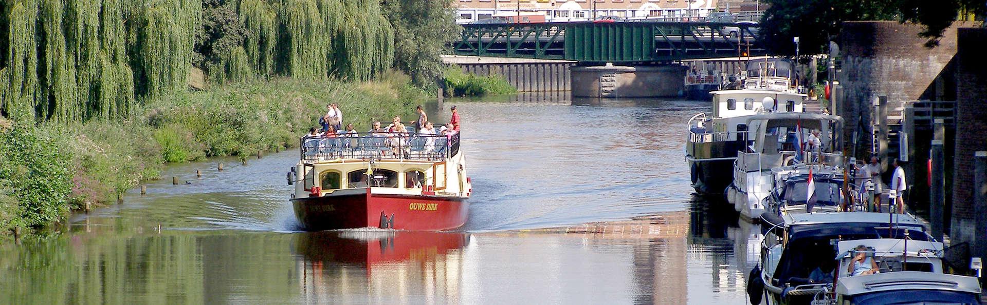 Overnacht in Oisterwijk en maak een uitstapje per boot naar Den Bosch