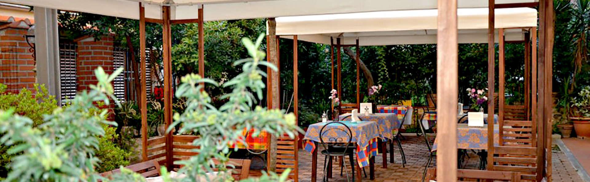 Hotel Mia Cara - Edit_Terrace.jpg