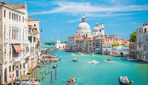 En el centro de Venecia, a pocos pasos del puente de Rialto