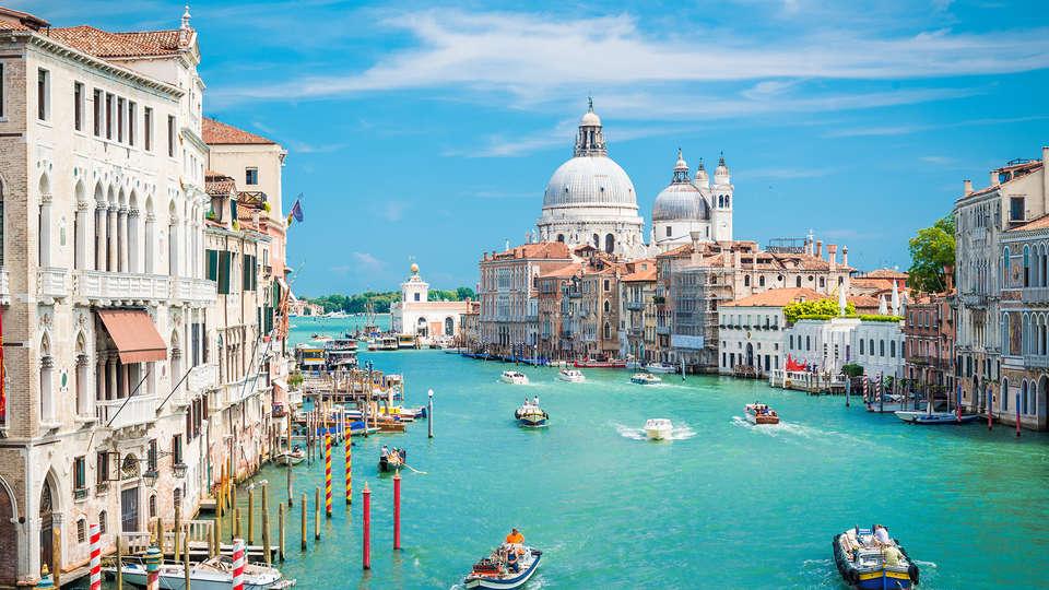 Hotel Tintoretto - Edit_Destination2.jpg