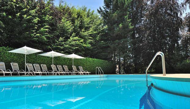 Domaine de Divonne - pool