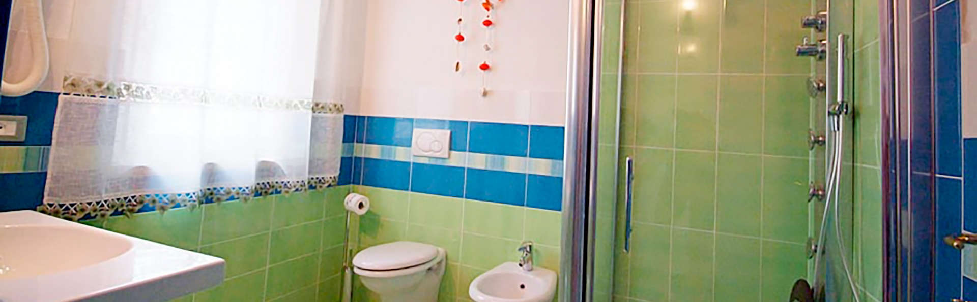 Hôtel Sant'Andrea, The Originals Relais (Relais du Silence) - Edit_Bath.jpg