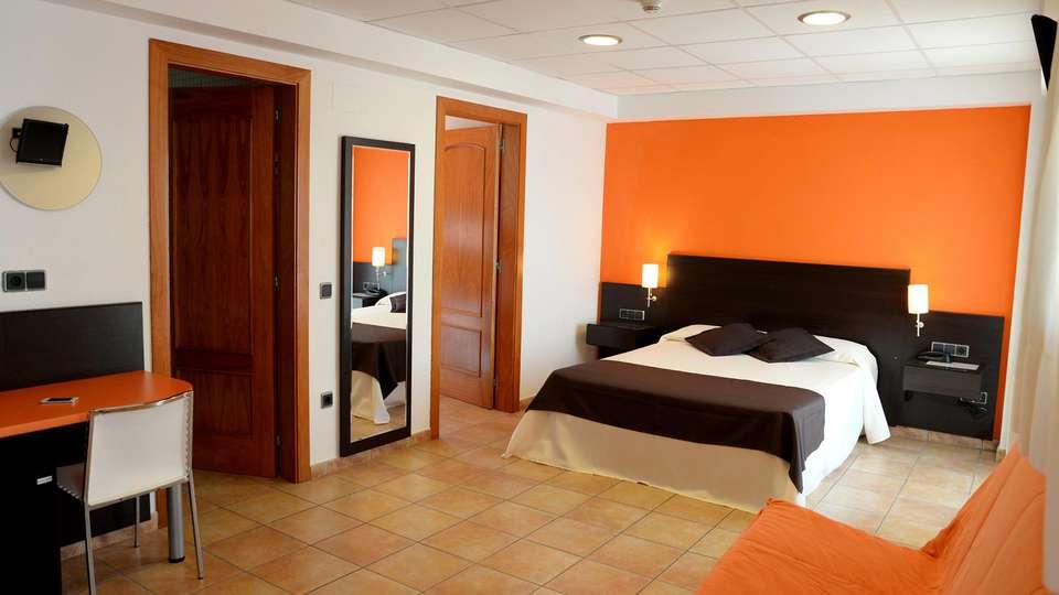 Hotel Pinar del Mar - edit_room1.jpg