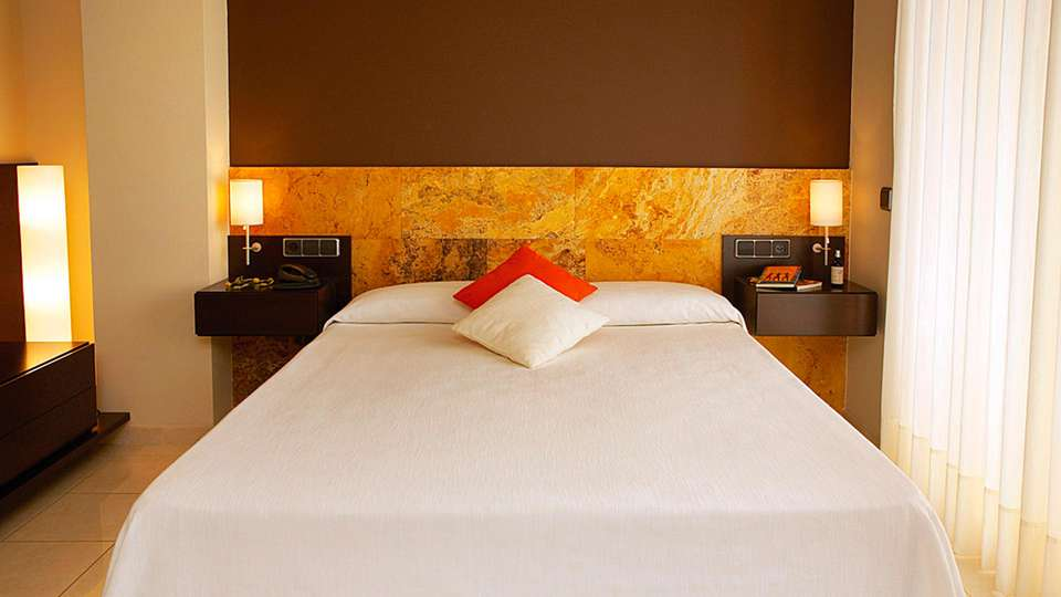 Hotel Spa Port D'Aro - edit_room2.jpg