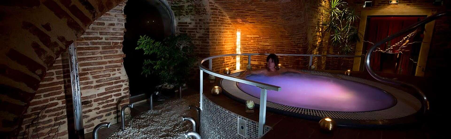 Week-end en suite avec vue sur le Tarn et accès au spa, à Moissac