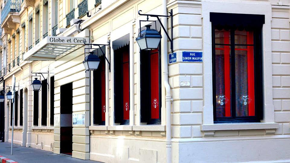 Hôtel Globe et Cecil - edit_facade.jpg