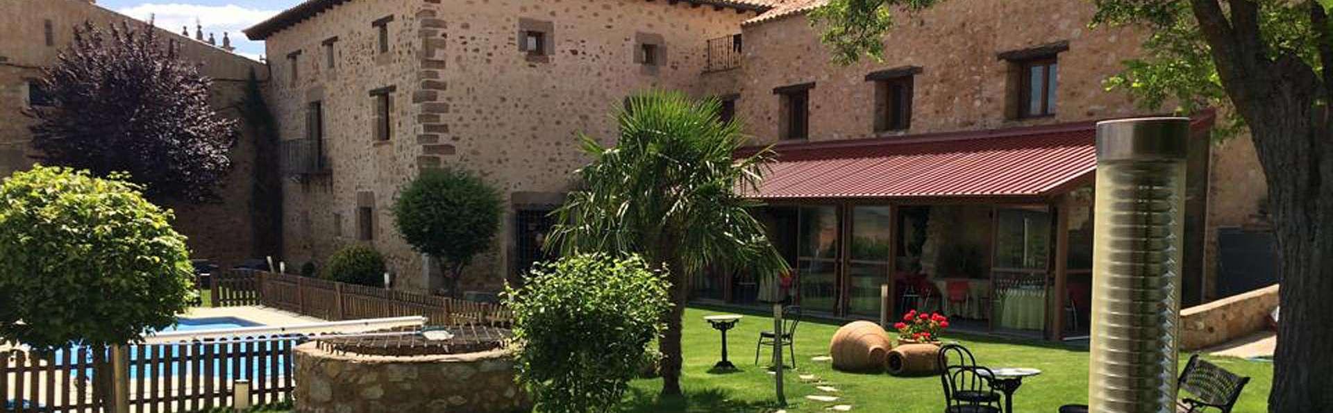 Antiguo Palacio de Atienza - edit_garden1.jpg