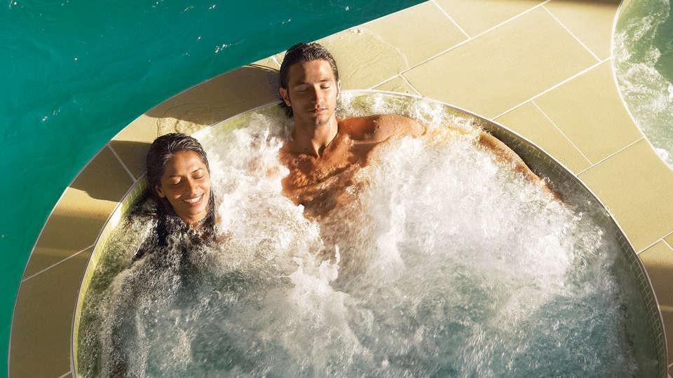 Hotel les Salines & Spa Resort by Thalazur - edit_spa.jpg